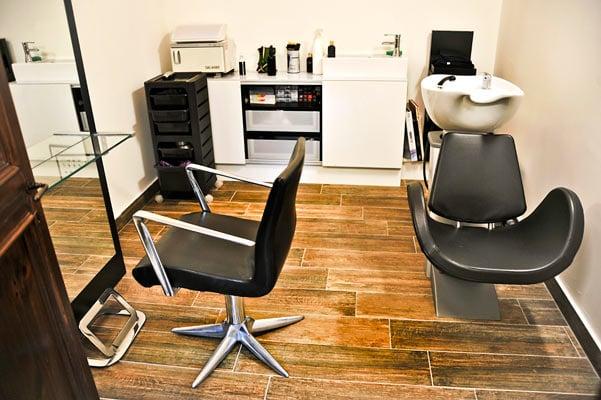 applicazione protesi capelli