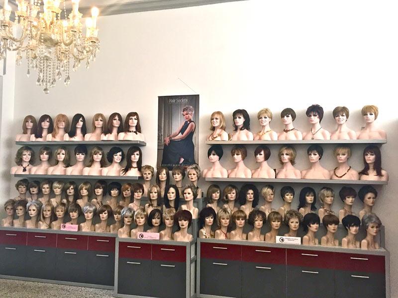 esposizione di parrucche